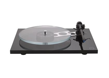 rega-Planar3-Black with Elys2